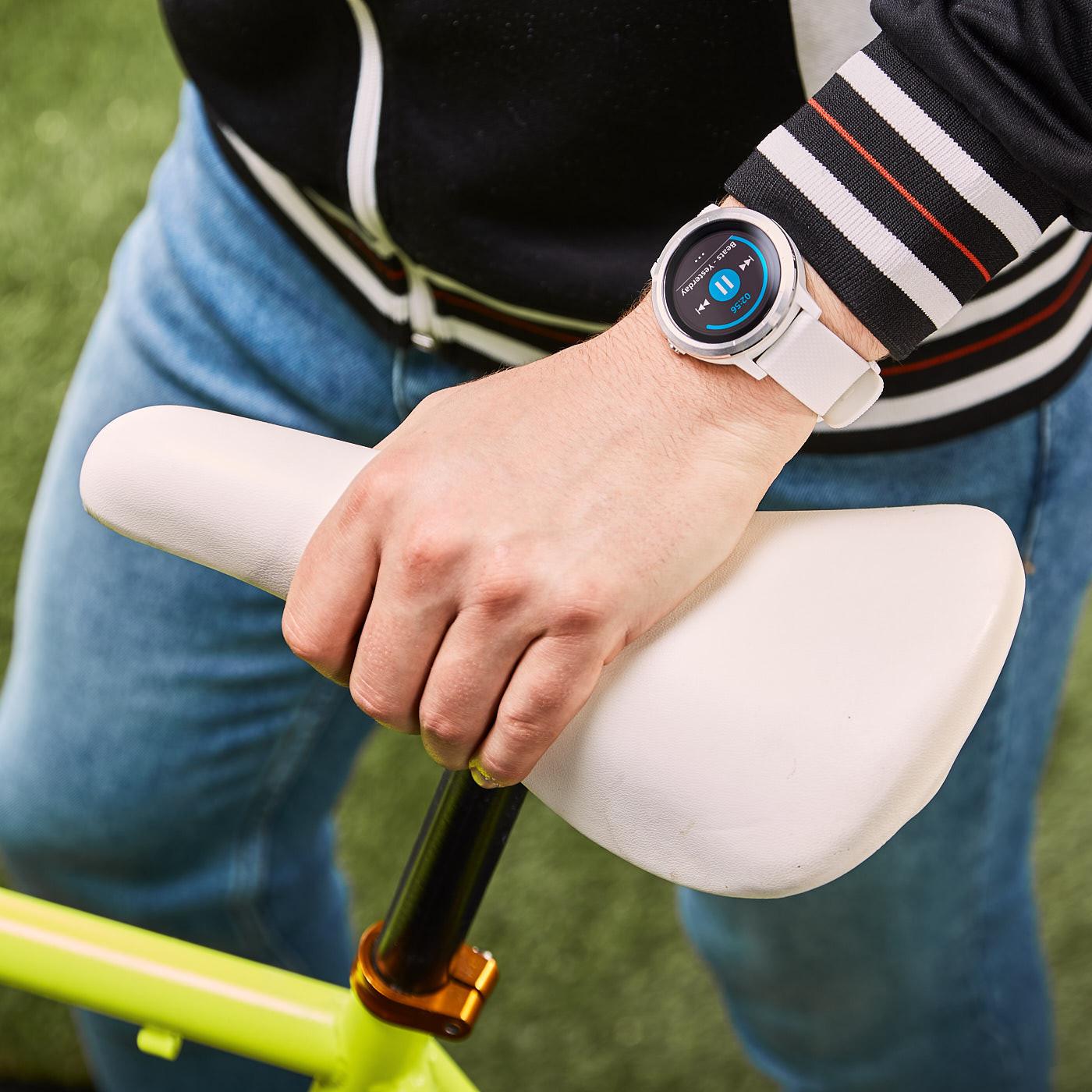 Garmin Vivoactive 3 Smartwatch 010-01769-20 (43 mm)