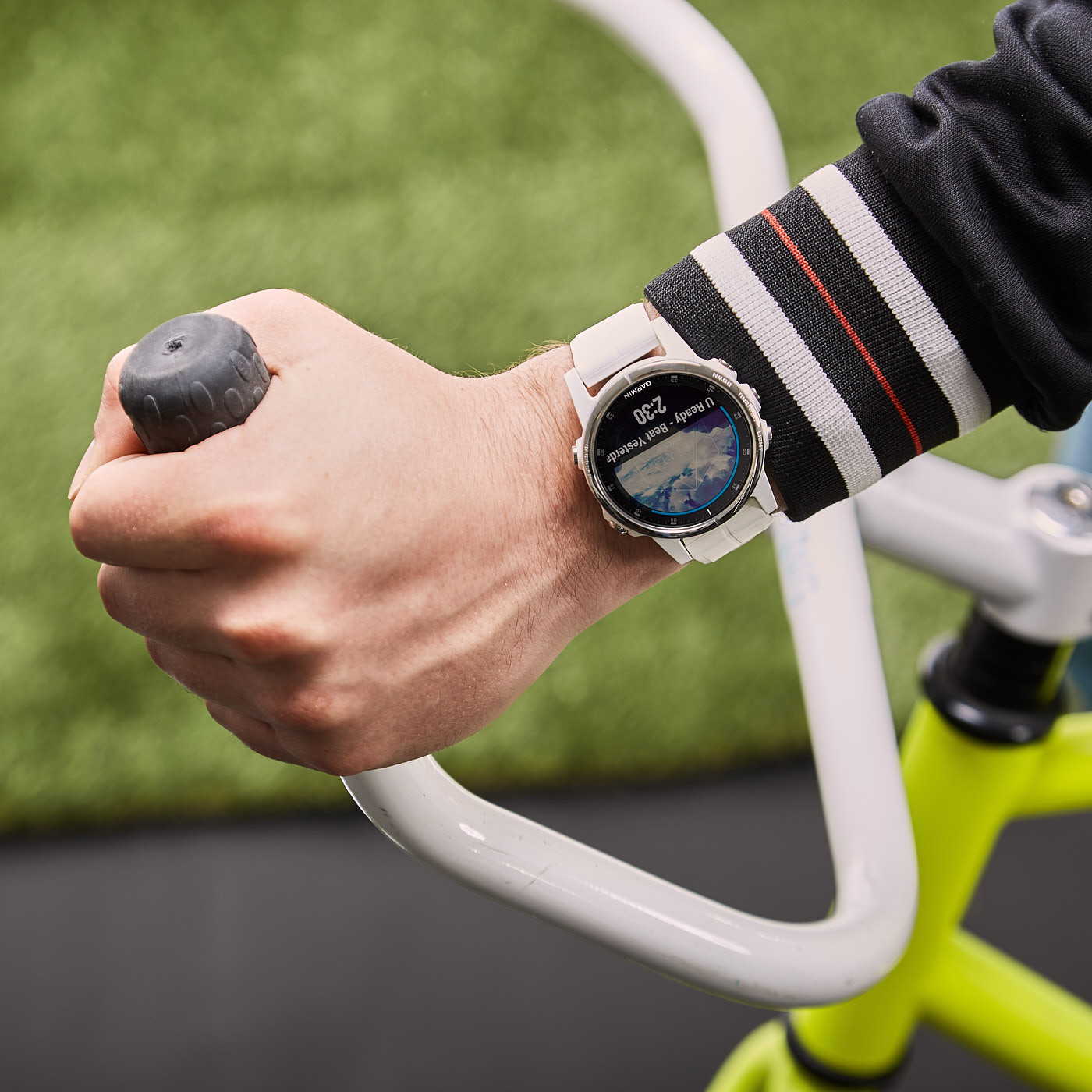 Garmin Fenix 5S Plus Sapphire Smartwatch 010-01987-01 (42 mm)
