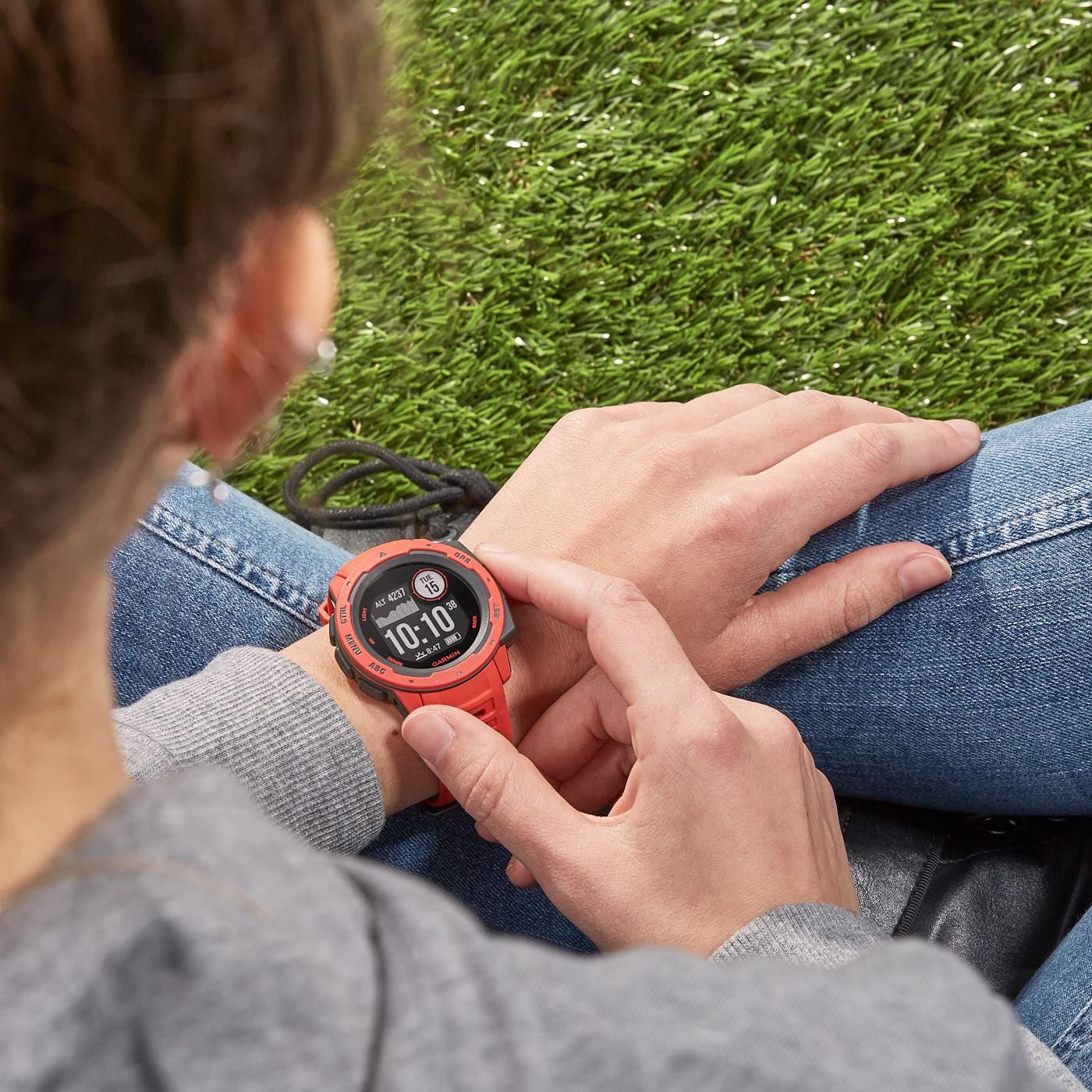Garmin Instict GPS Smartwatch 010-02064-02 (45 mm)