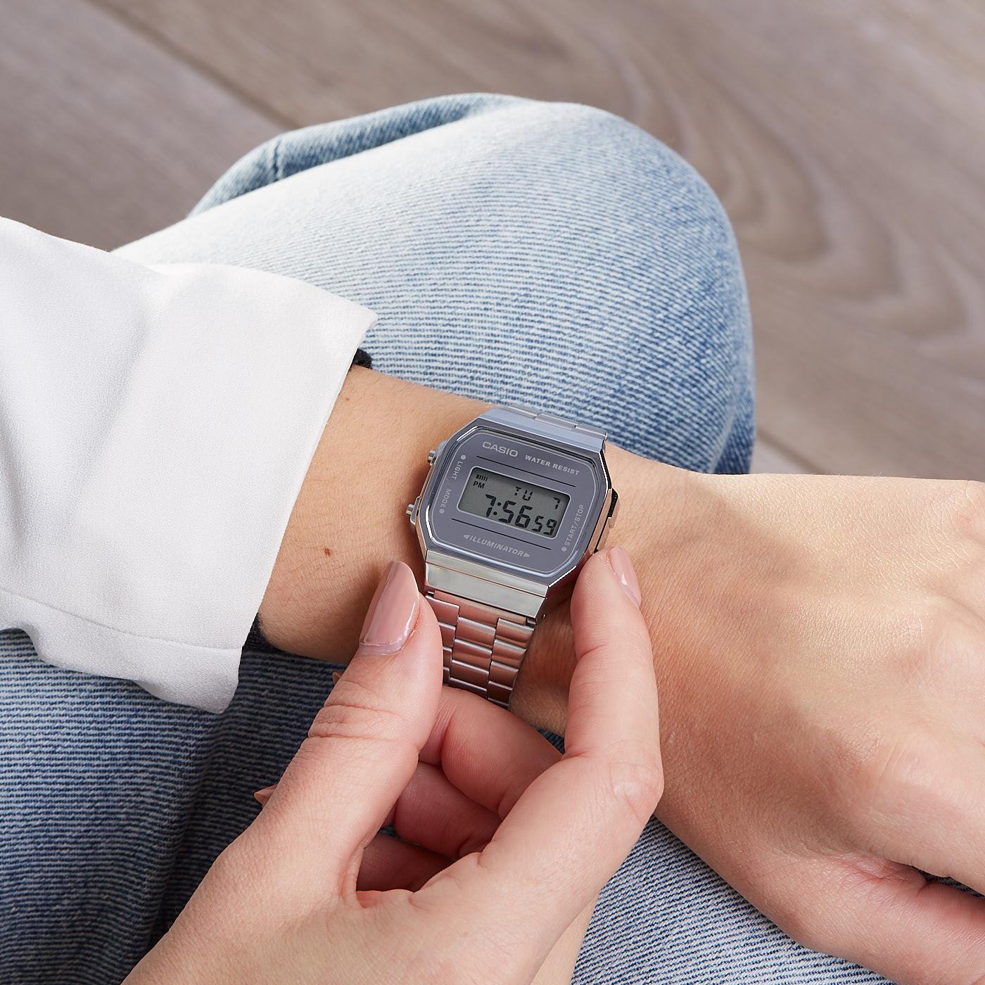 Casio Retro Mirror Face horloge A168WEM-7EF