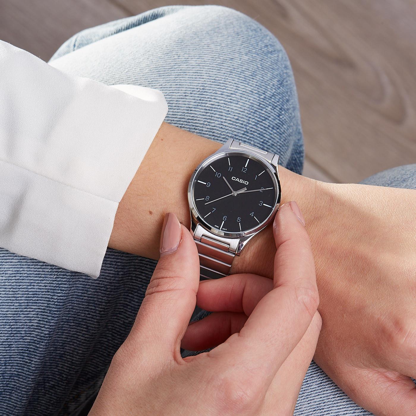 2ed6ab68a50 Casio Retro horloge LTP-E140DD-1BEF