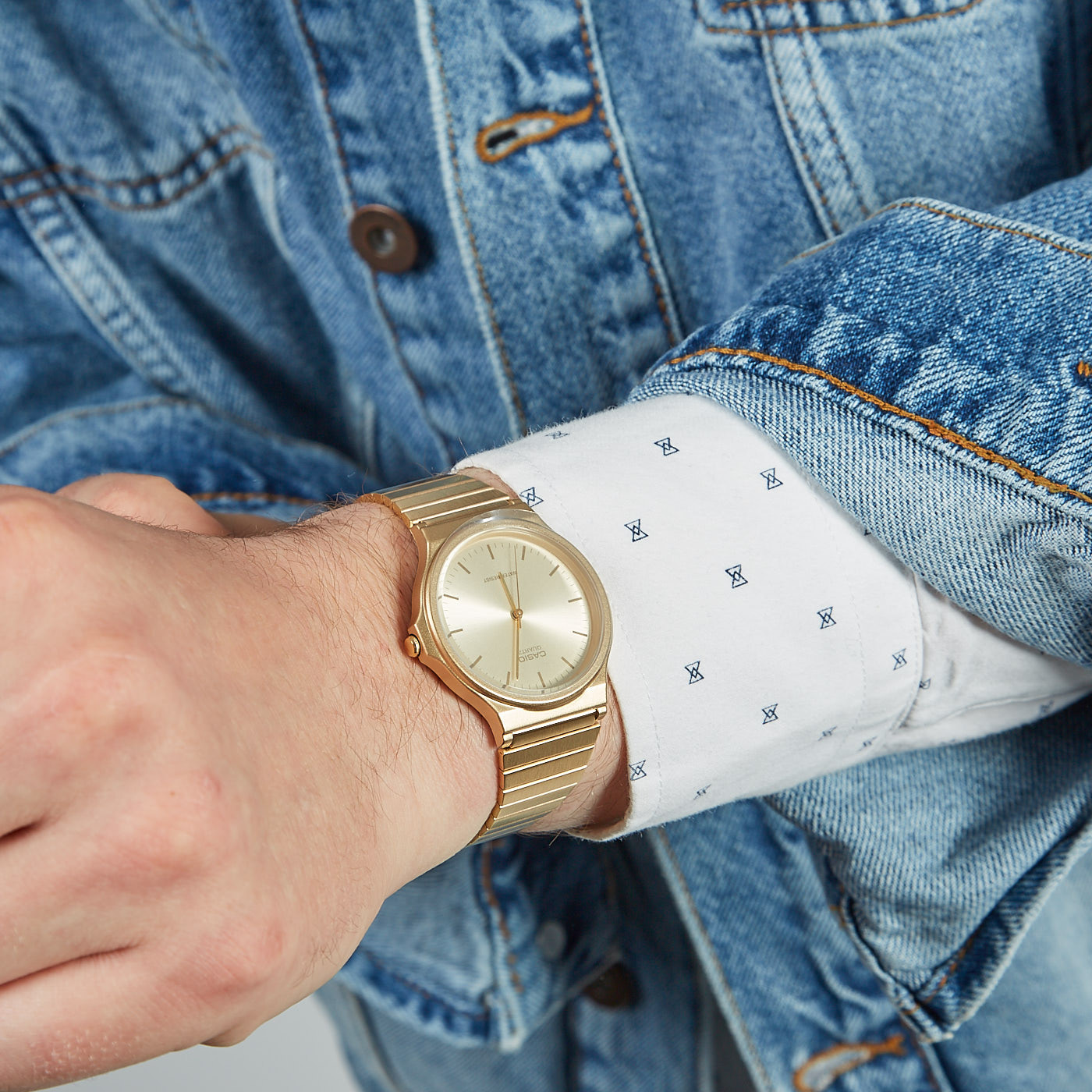 Casio Collection horloge MQ-24G-9EEF