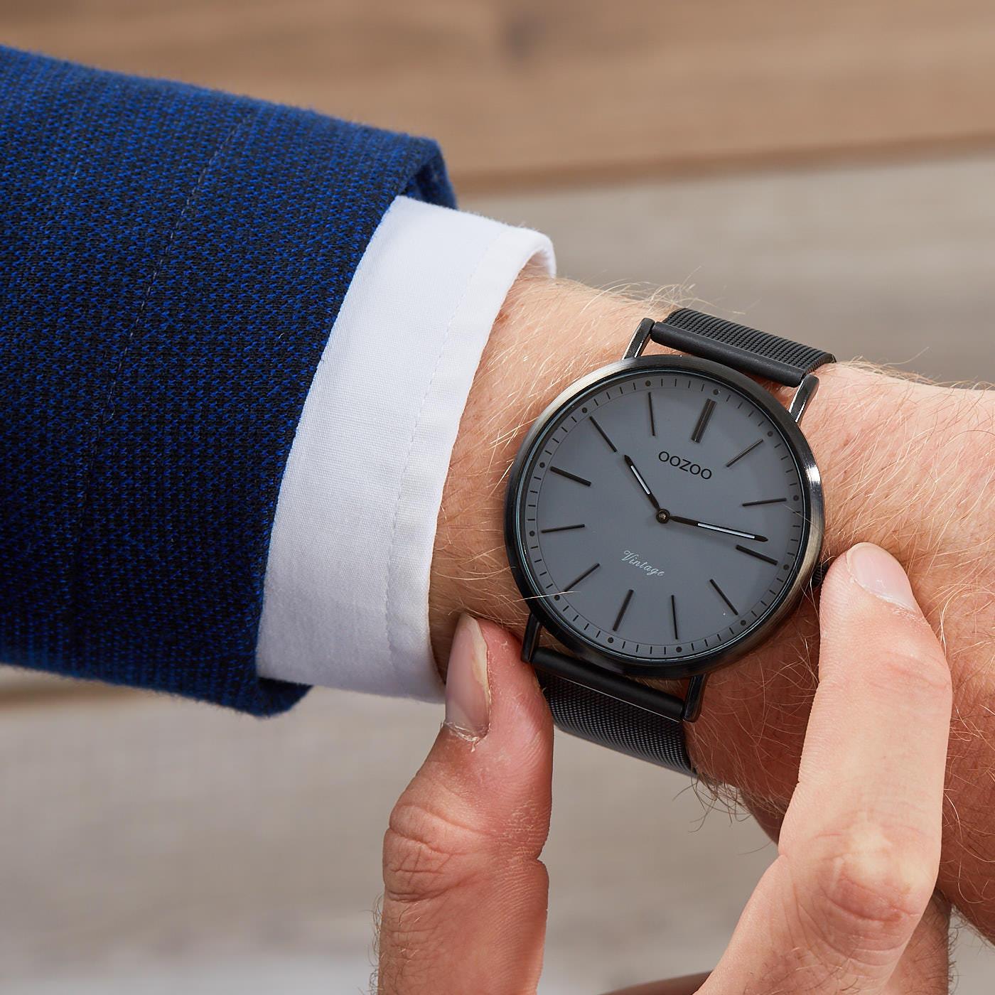 eb1ff75768f OOZOO Vintage Zwart/Donkergrijs horloge C9351 (44 mm)
