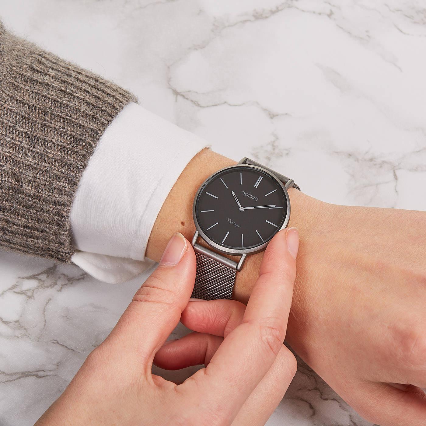 OOZOO Vintage Titanium/Zwart horloge C9929 (40 mm)