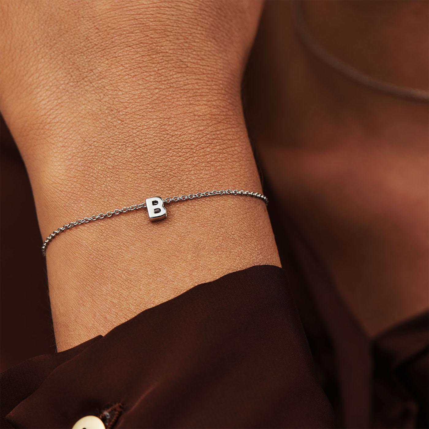 Selected Jewels Julie Chloé 925 sterling zilveren initial armband SJ320009