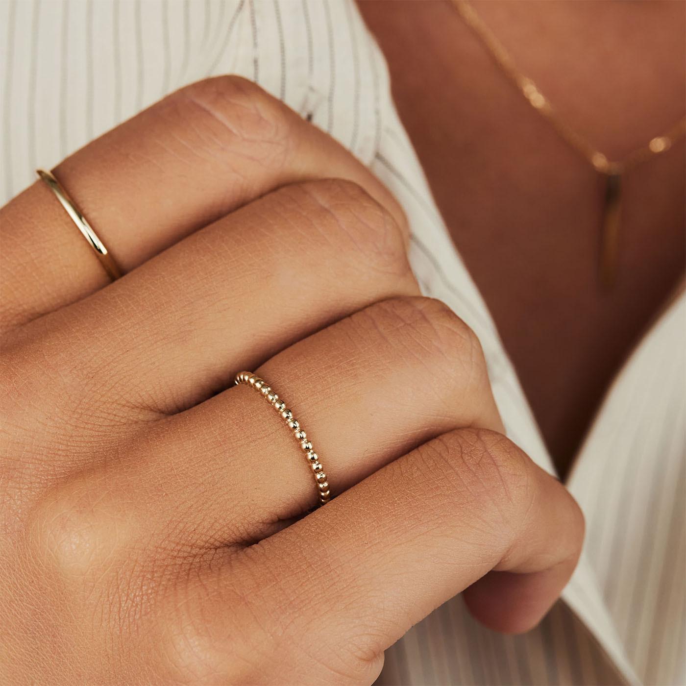 Isabel Bernard Asterope 14 Karaat Gouden Dots Ring IB330018