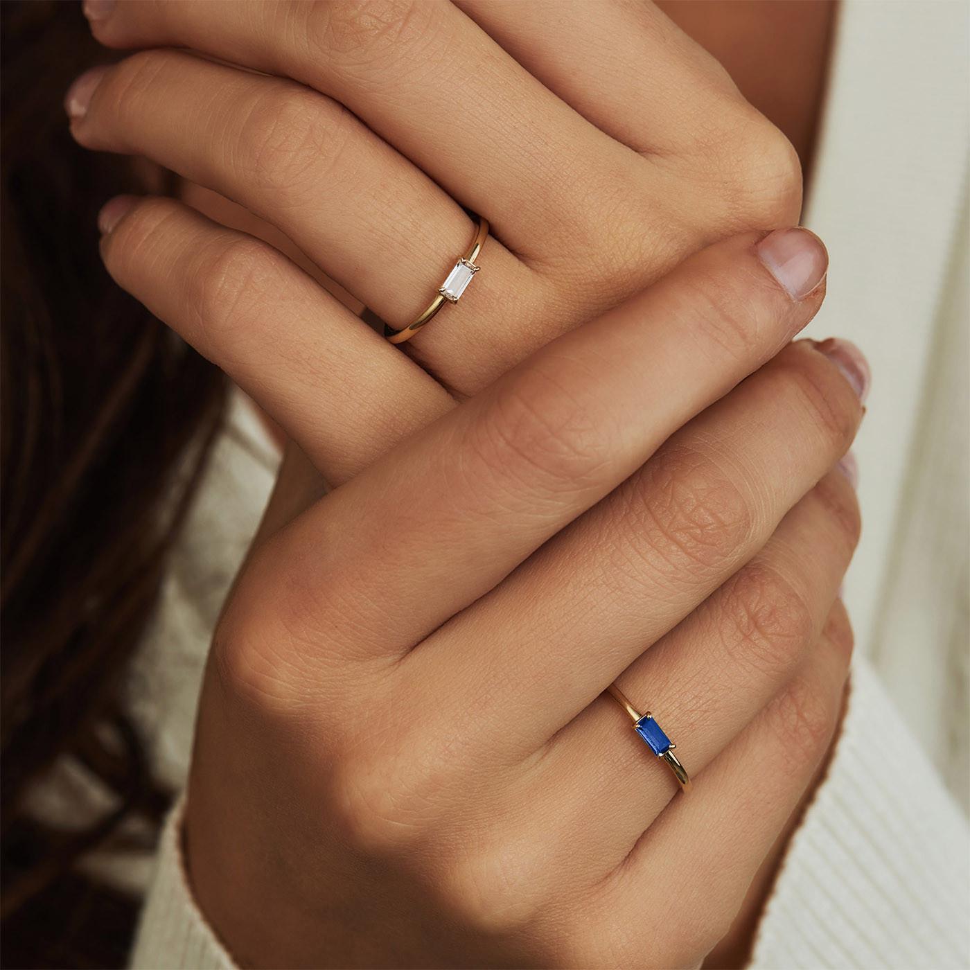 Isabel Bernard 14 karaat gouden Baguette Odie ring IB330022