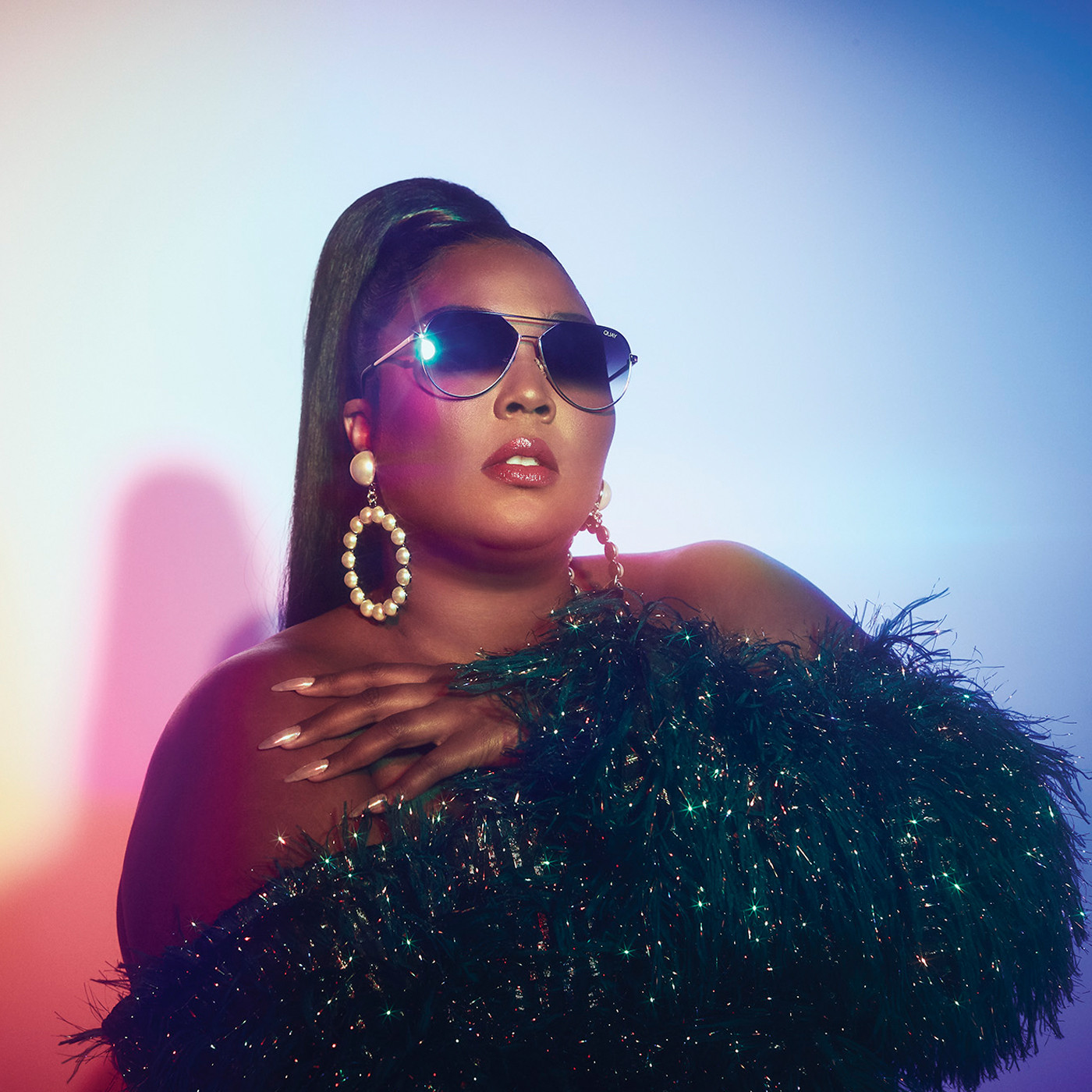 Quay x Lizzo Hold Please Gold Fade Zonnebril 9343963050363