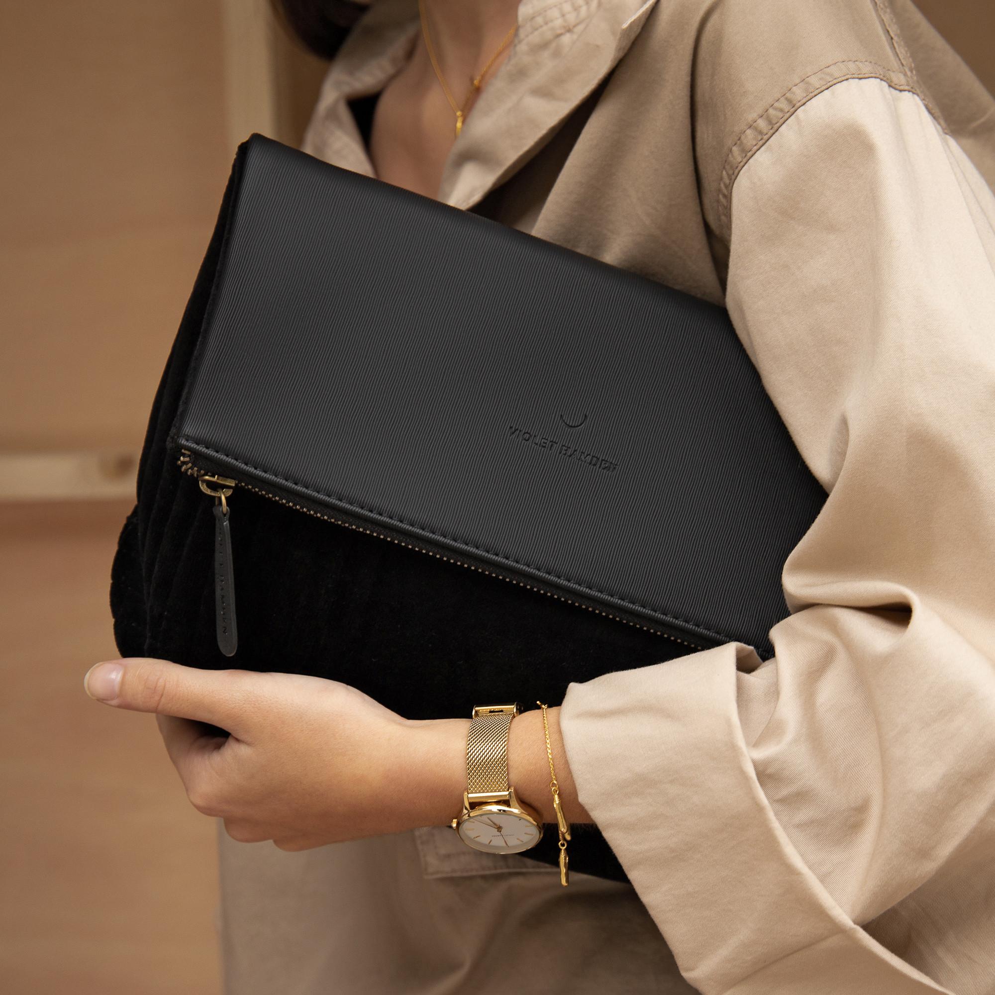 Violet Hamden The Essential Bag zwarte Clutch VH21004